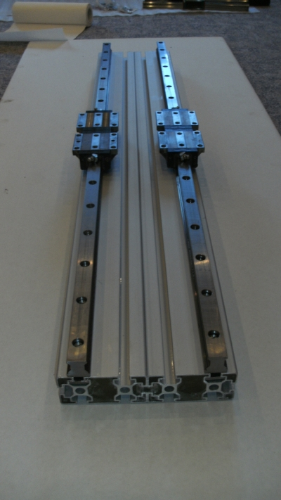 aluminum profiles with linear bearings