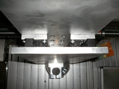 CNC milling machine z-axis top