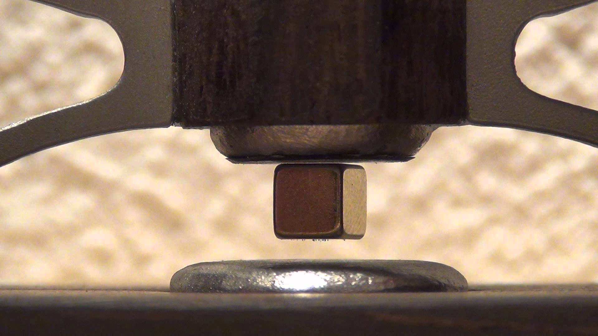 Video: Diamagnetic Levitation with Bismuth: Version 2 of my Levitators